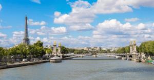 S Ryanair do Paříže